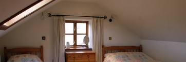 Уютной мансарде нужны окна