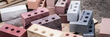 Чем отличается керамический кирпич от кирпича силикатного?